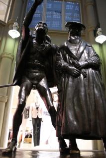 Passeio - Leipzig- estátua referente a Goethe